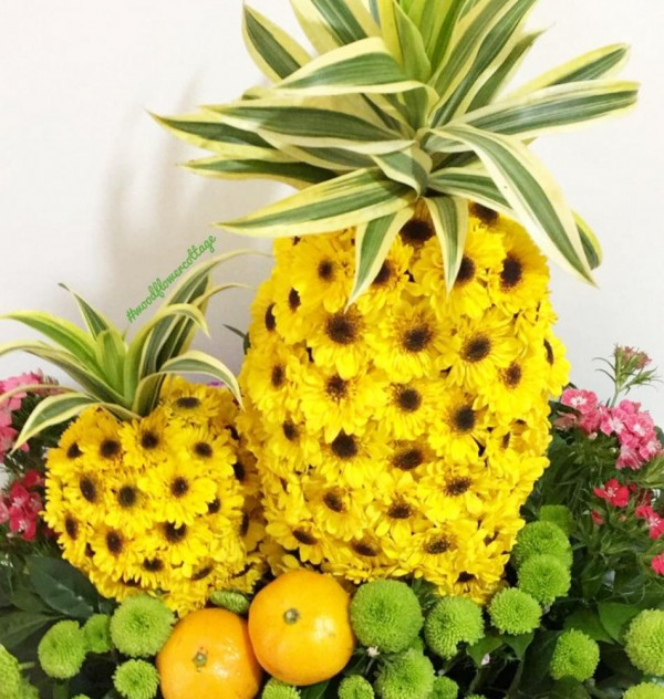 Duo Prosperity Pineapple