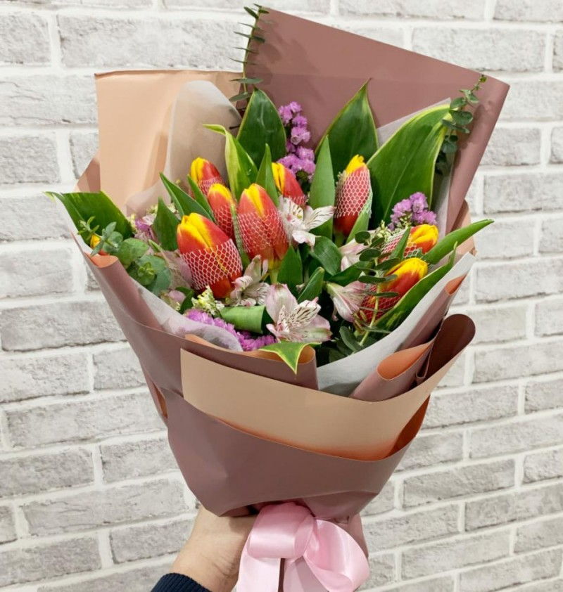 10 2-tone Orange Tulips
